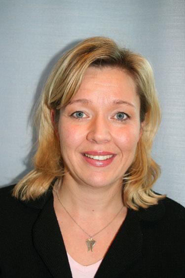 Karin Schön, Eniro 118 118: - 2228061671